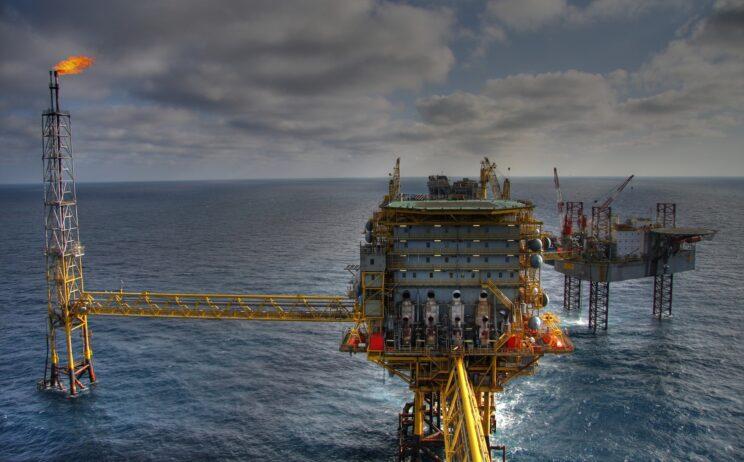 Bilde: Også den nye oljeskatten er en gavepakke til oljenæringen